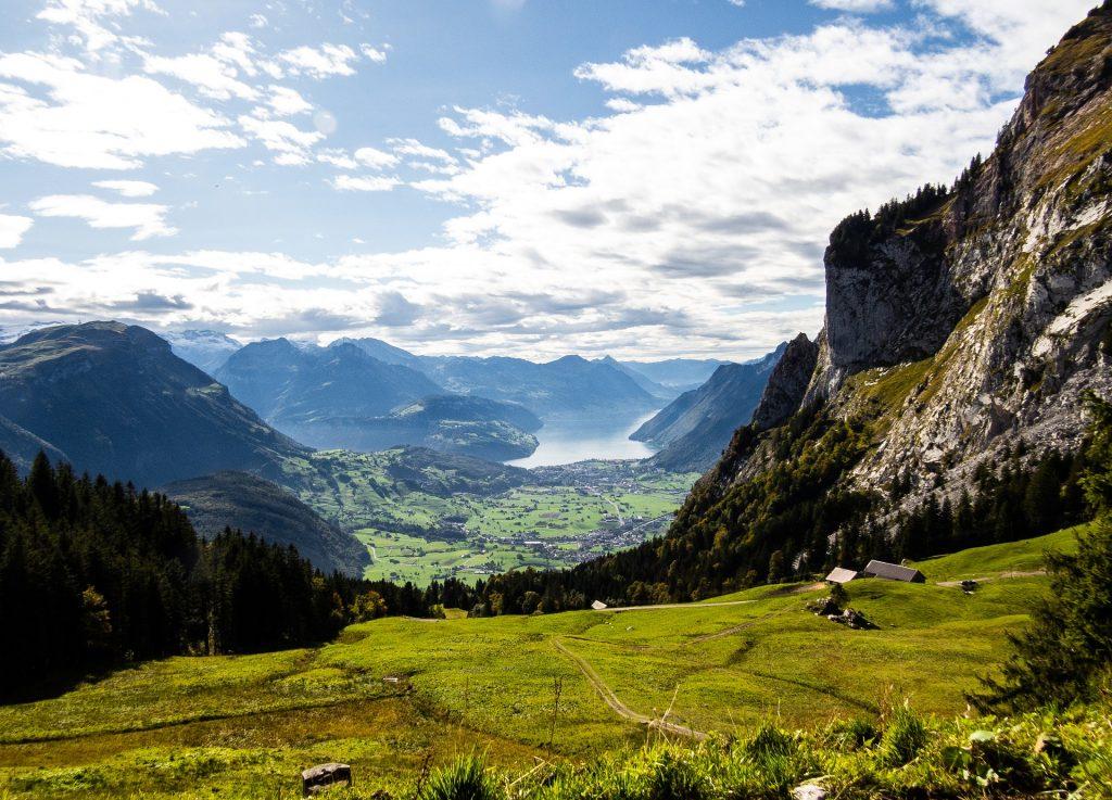 V razvoj dolgoročne vizije razvoja evropskega podeželja vključena dr. Emilija Stojmenova Duh in njena ekipa